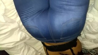 Ebony Wet Watery Farts In Jeans